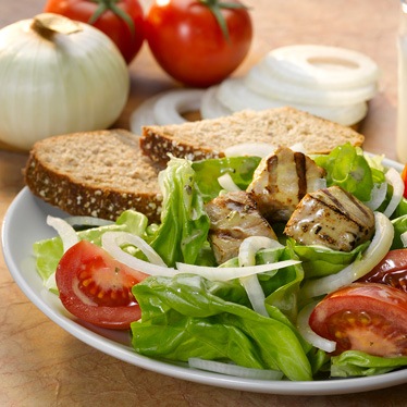 Vidalia Onion and Tomato Salad with Grilled Tuna